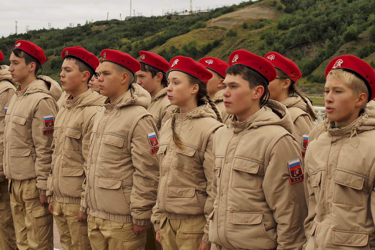 Юнармия - всероссийское военно-патриотическое движение, как создавалось, знаки и символы, покупается ли форма или выдается бесплатно, как вступить в ряды