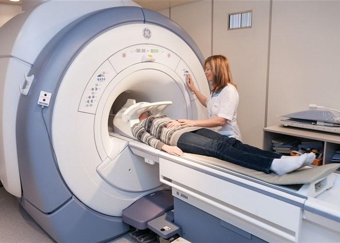 Чем отличается кт от мрт головного мозга?