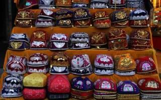 Как называется короткая шапка до ушей: названия разных моделей