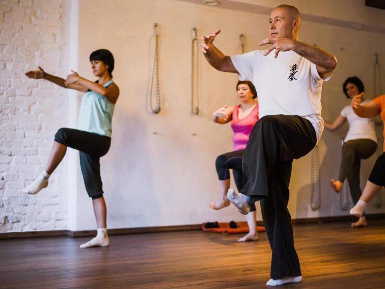 Гимнастика цигун: оздоровительный комплекс упражнений для начинающих и пожилых людей