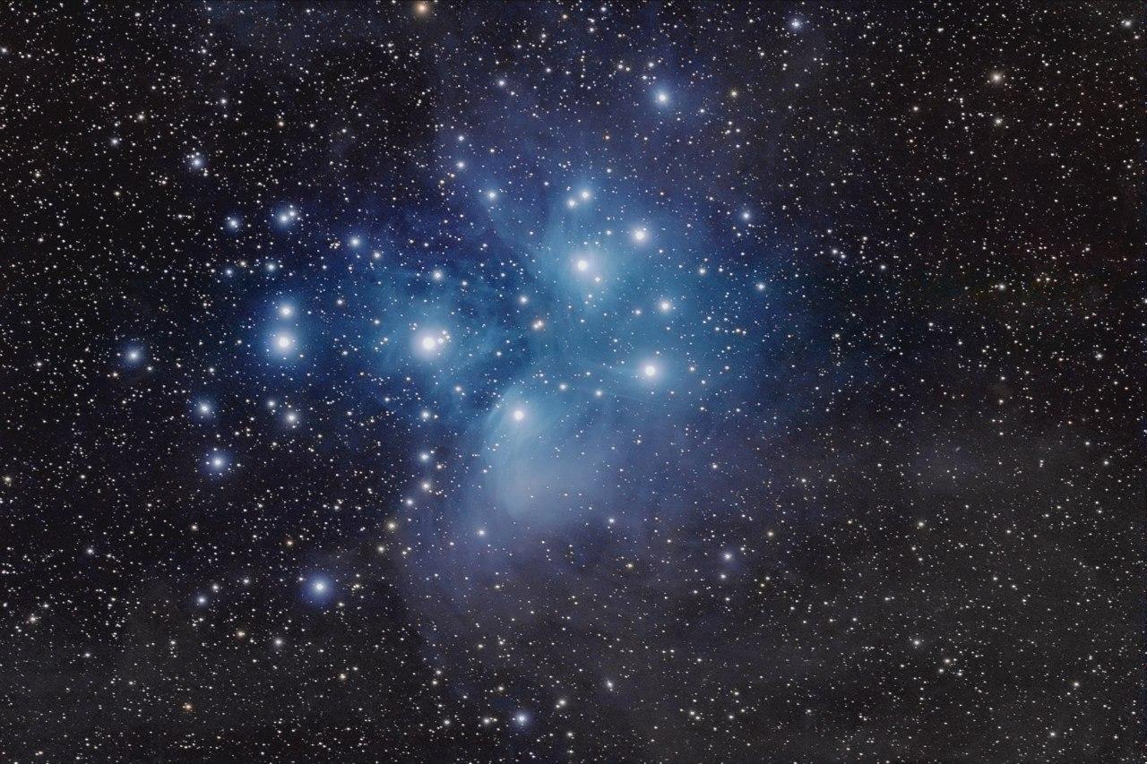 Плеяды и плеядеанцы - жители этой звездной системы.