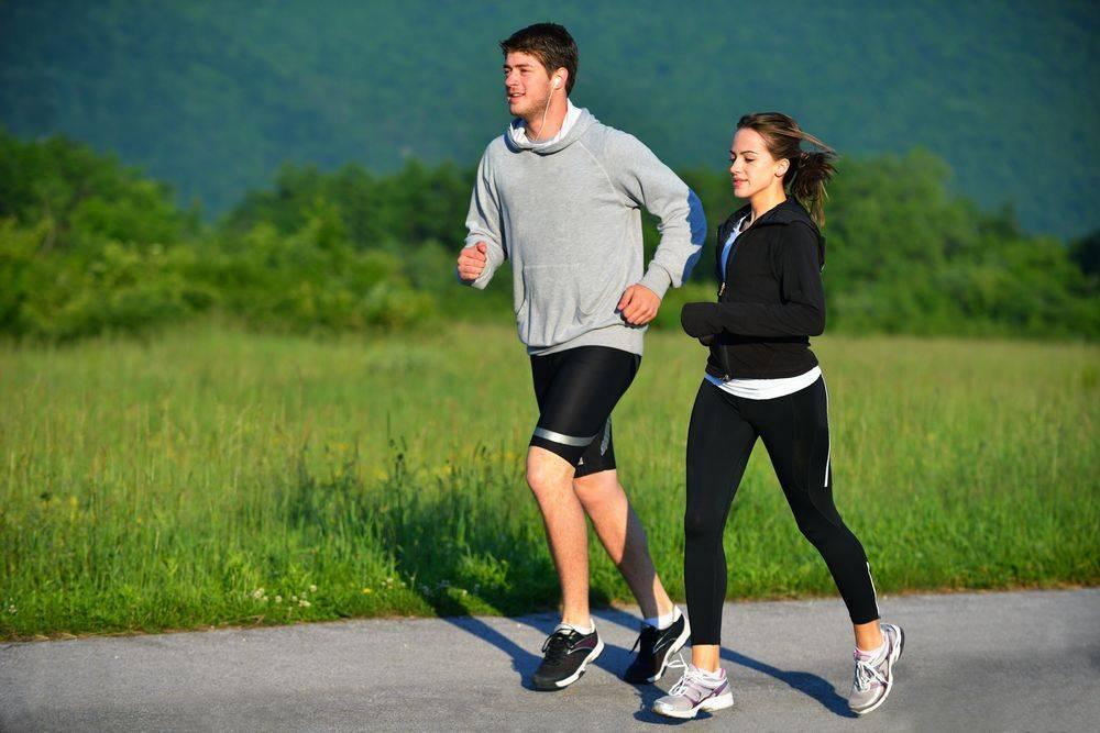 Бег трусцой— что это такое, как правильно бегать, полезен ли джоггинг