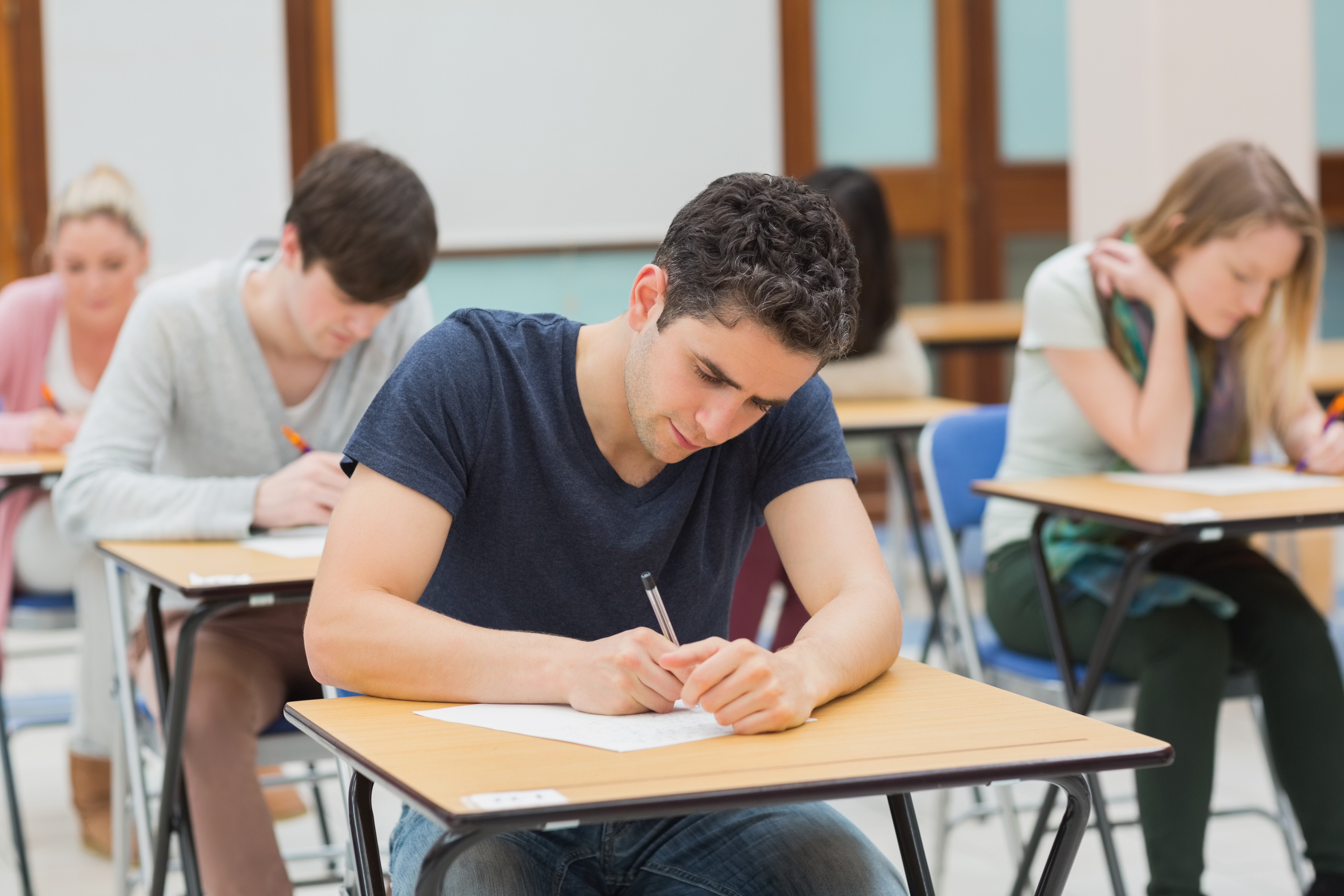 Чем различаются зачет и экзамен?