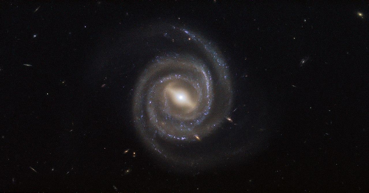 Активные ядра галактик — википедия. что такое активные ядра галактик