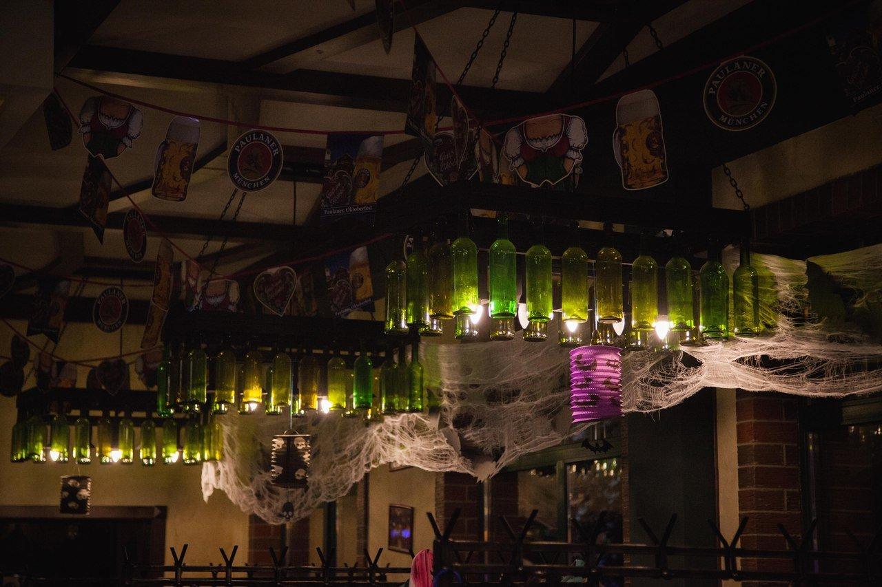 Брудершафт: корни немецкого слова и его перевод, что оно означает, где родилась традиция пить с поцелуем