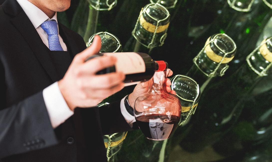 Что же нам следует делать? следует пить. как работают сомелье москвы, петербурга и сочи | salt