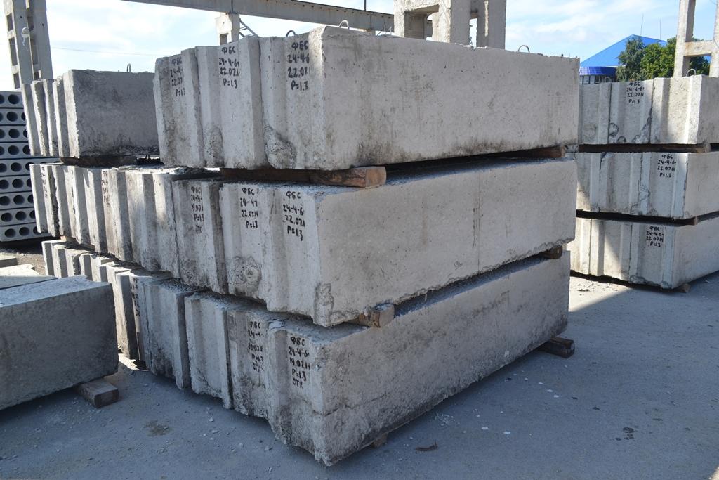 Фундаментный блок: экономичный способ заложить основы здания