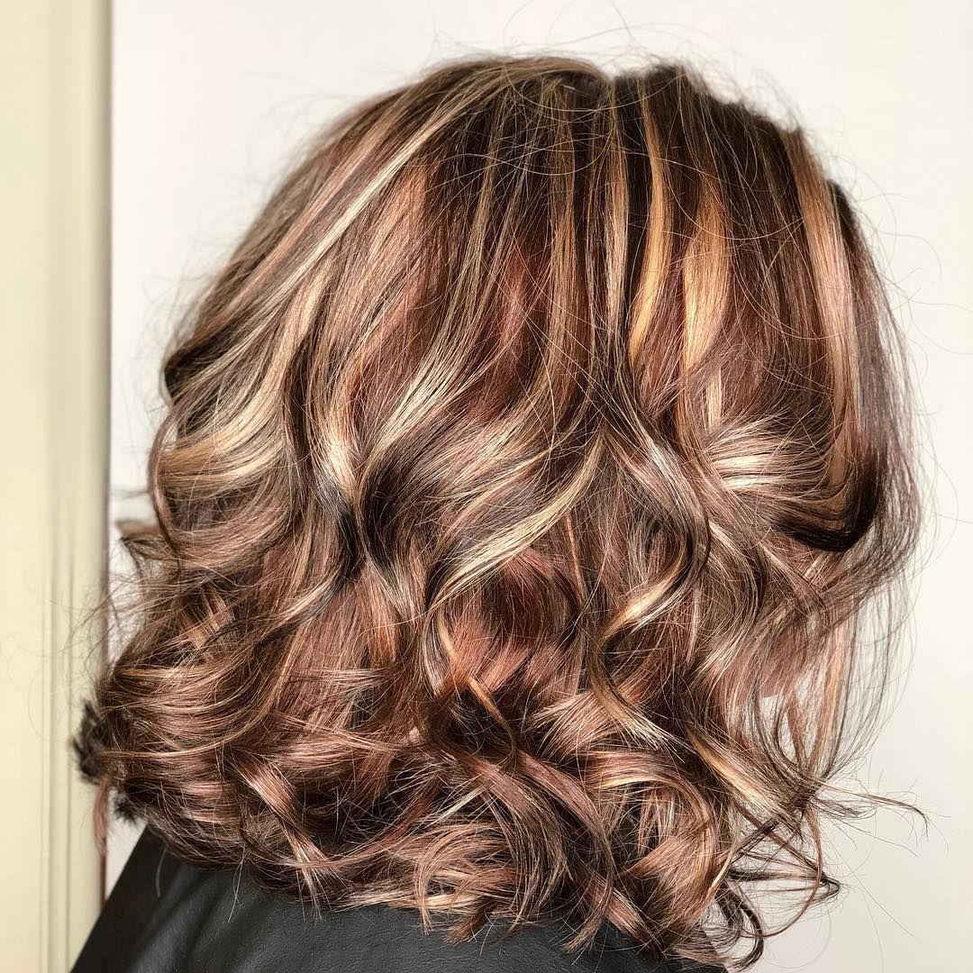 Колорирование на короткие волосы (69 фото): красивое колорирование, придающее объем, для очень коротких стрижек, колорирование для кудрявых волос