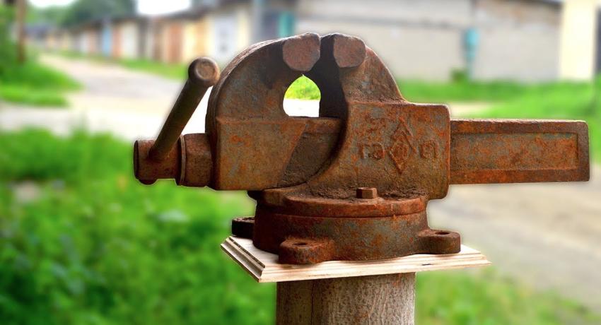 Слесарные тиски: разновидности и применение