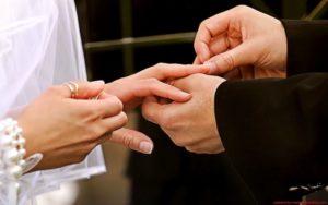 Что такое помолвка, как организовать и красиво провести обряд помолвки