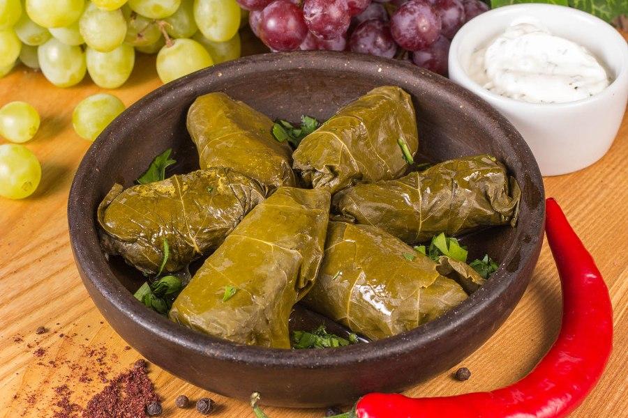 Долма из виноградных листьев (40 рецептов с фото) - рецепты с фотографиями на поварёнок.ру