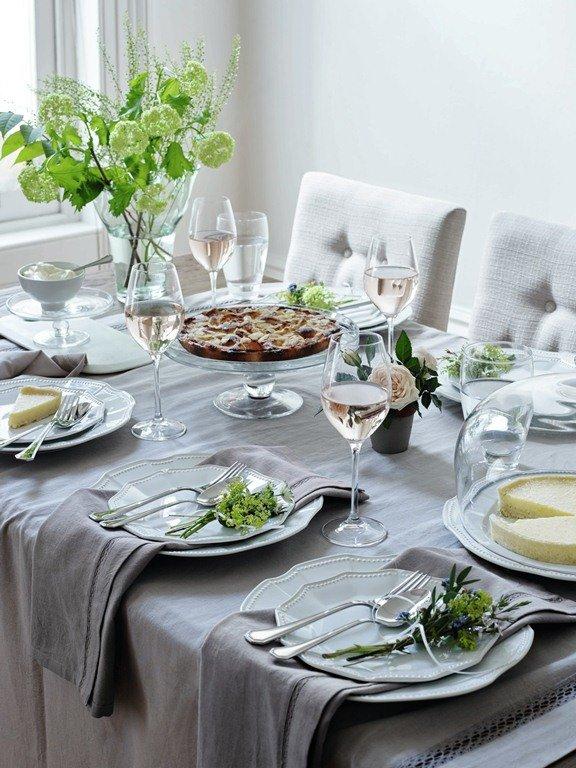 Сервировка стола, важные нюансы, последовательность, чем украсить