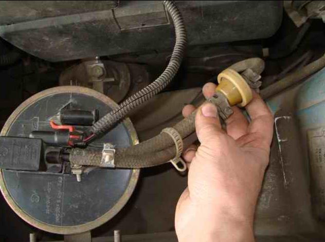 Электромагнитный клапан адсорбера — где он применяется?