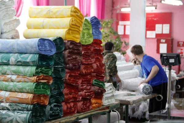 Льняная ткань и 14 ее видов: попульняная, трикотажное полотно, марлевка, блэкаут, тонкая полотняная, вишер, натуральная, техническая, бельевая
