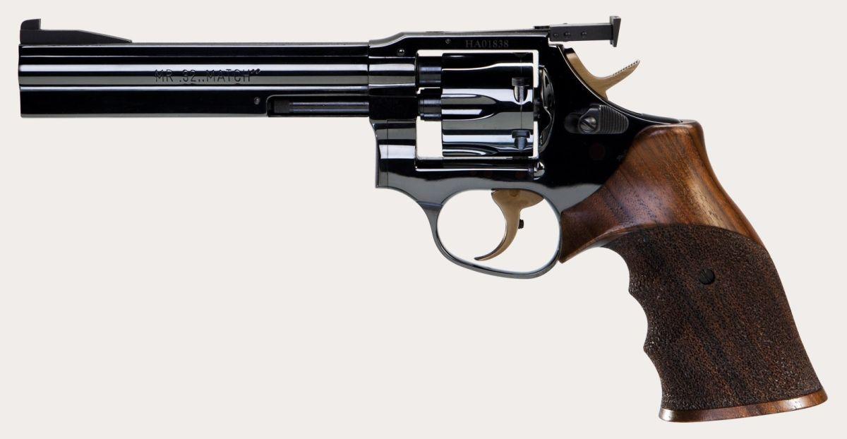 Револьвер, обзор российских и американских моделей, устройство и мощность, ствол и барабан, какой лучший ковбойский, современные и старинные марки