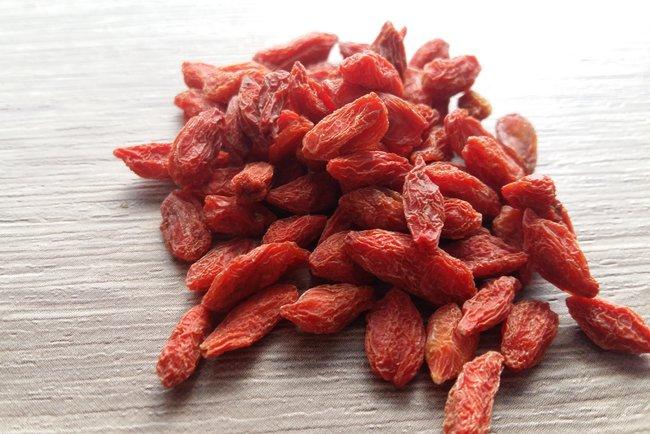 Ягоды годжи. свойства, как принимать ягоды, каков эффект, противопоказания и возможный вред для организма. :: polismed.com
