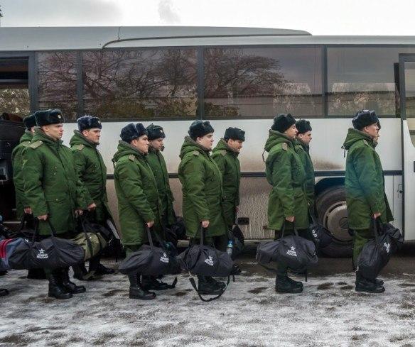 Военные сборы 2018: кого и на сколько призовут, что ждет уклонистов, разъяснение военного эксперта