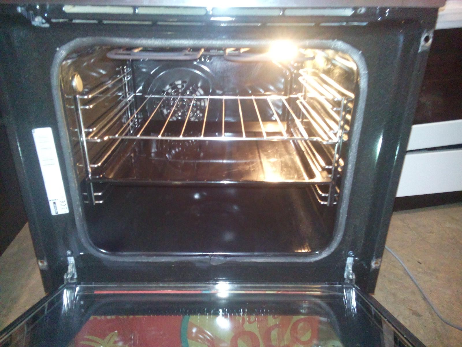 Гидролизная очистка духовки: что это такое?