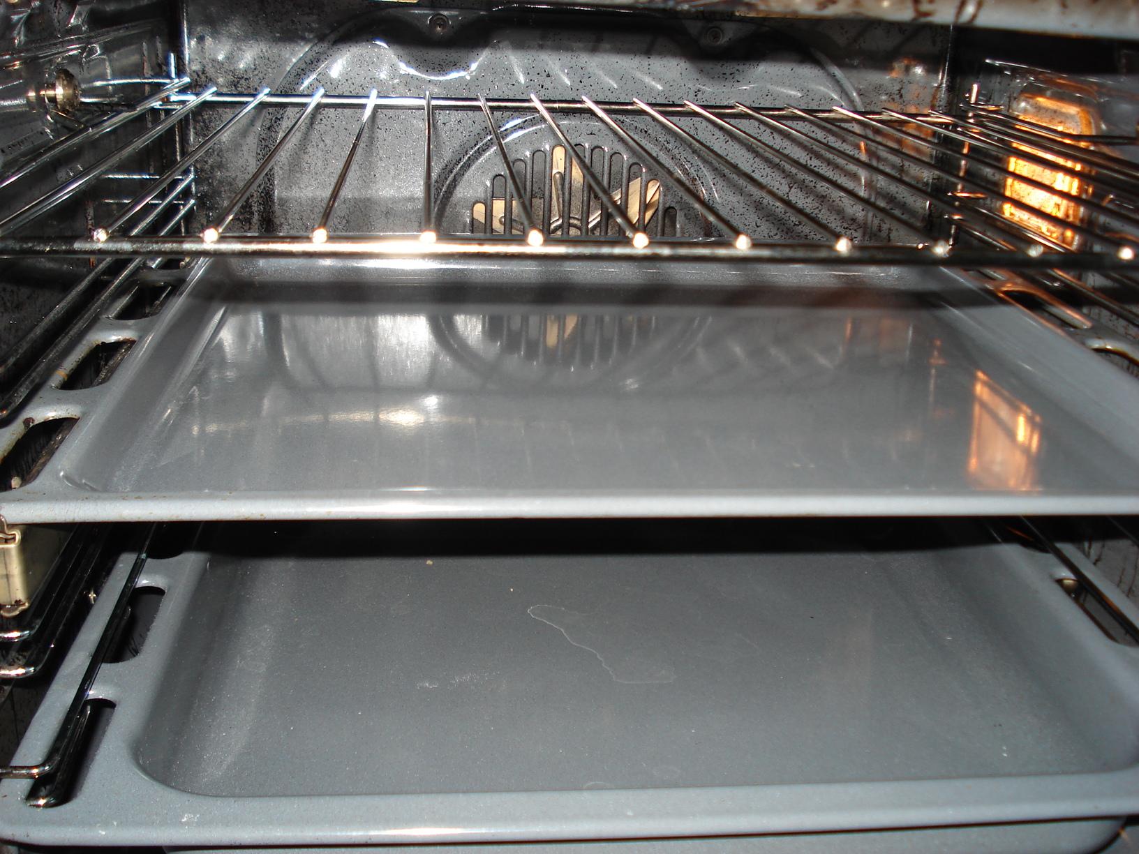 Как отмыть духовку от жира внутри в домашних условиях
