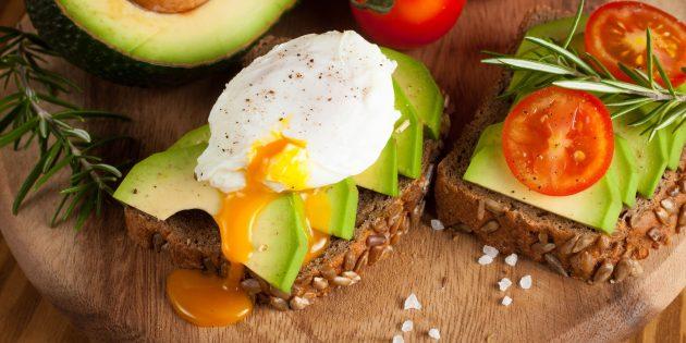 Как готовить яйцо пашот: 5 фото-рецептов в воде, пакете, духовке, микроволновке