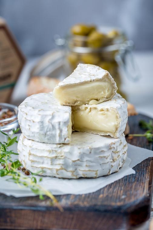 Что такое камамбер, из чего делают сыр и как он применяется в кулинарии