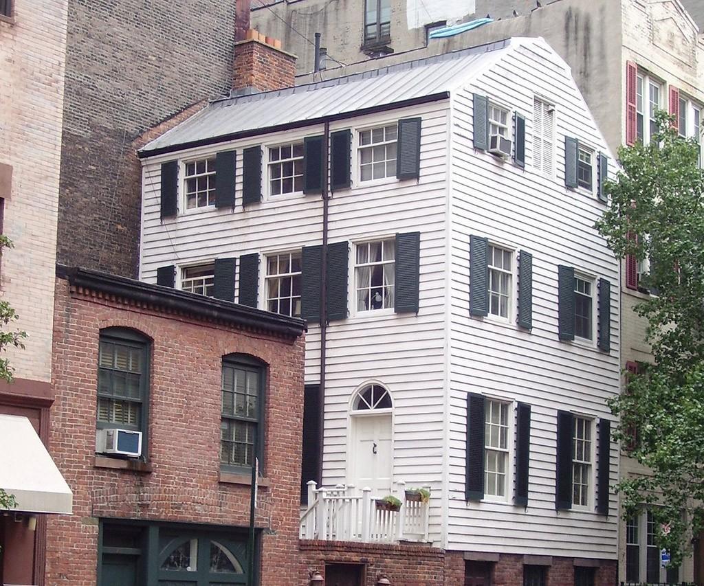 Объекты движимого и недвижимого имущества. сооружение - это какое имущество?